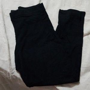 Plain black cotton leggings